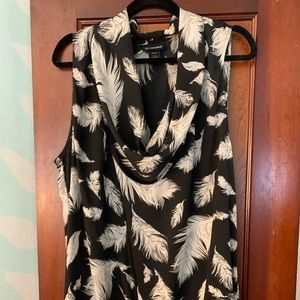 LABE BRYANT 18/20 EUC BLACK WITH FEATHERS BLOUSE